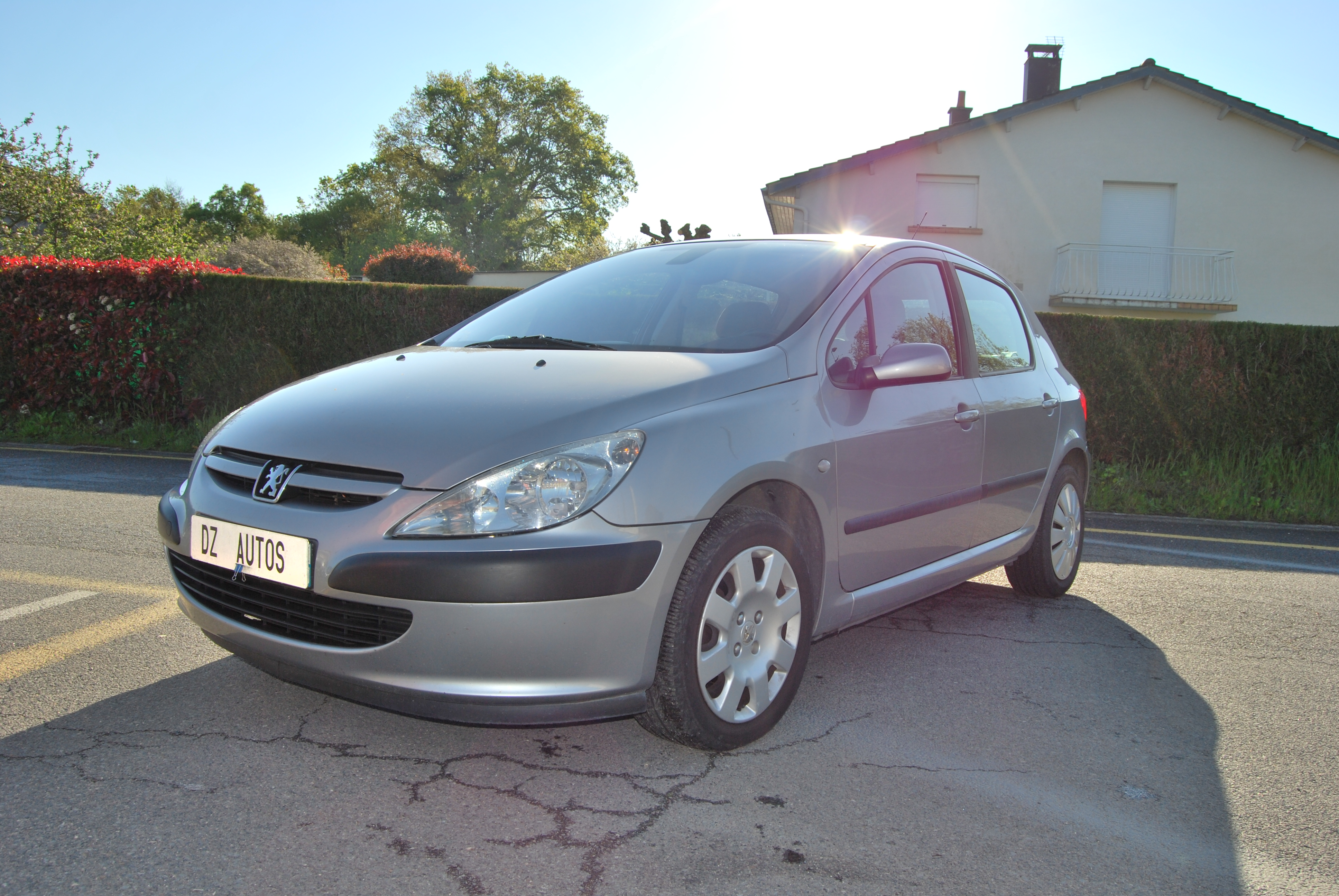 voiture peugeot 307 2 0 hdi 110 xt premium occasion diesel 2003 200000 km 2900. Black Bedroom Furniture Sets. Home Design Ideas